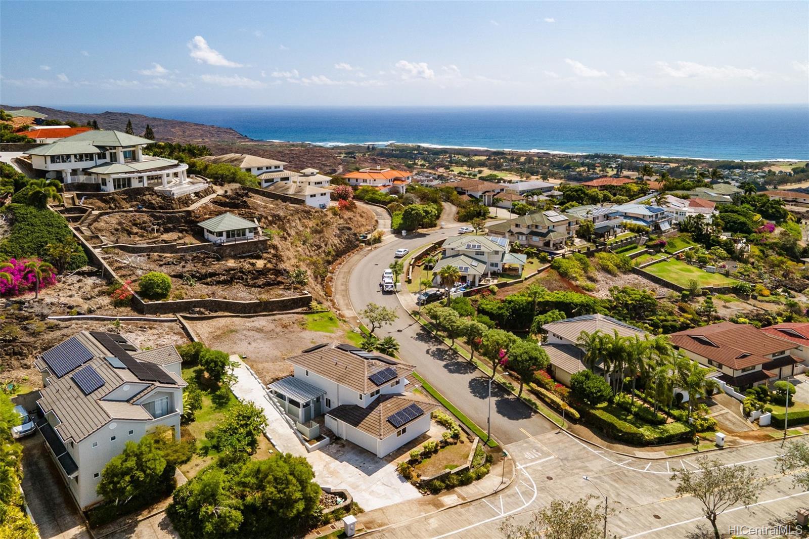 1185  Kamehame Drive Napali Haweo, Hawaii Kai home - photo 15 of 18