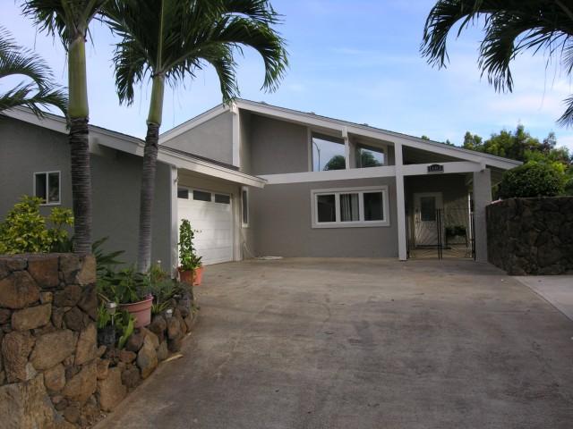 1185  Mokuhano St Kalama Valley, Hawaii Kai home - photo 1 of 2