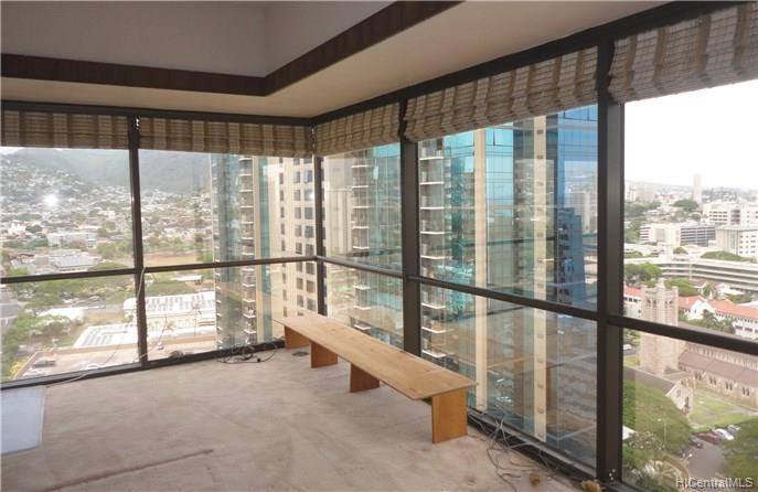 Century Square condo #2105, Honolulu, Hawaii - photo 1 of 12