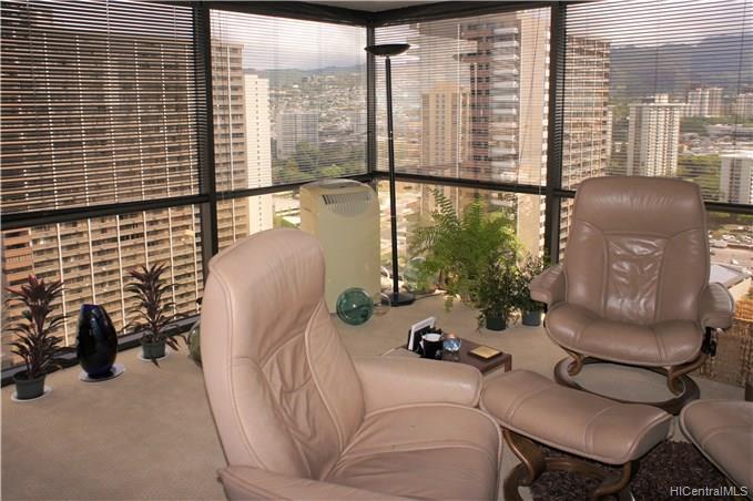 Century Square condo #2408, Honolulu, Hawaii - photo 1 of 4