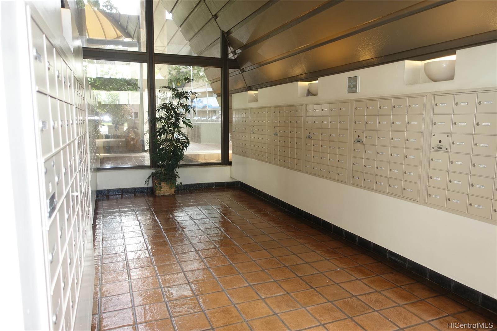 Century Square condo # 610, Honolulu, Hawaii - photo 4 of 14