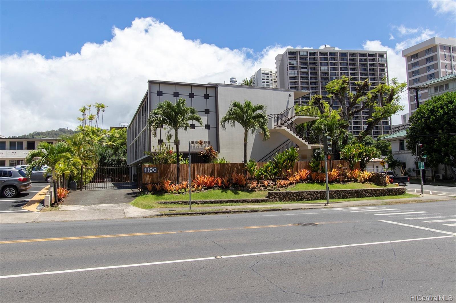 Makikian condo # A103, Honolulu, Hawaii - photo 1 of 25