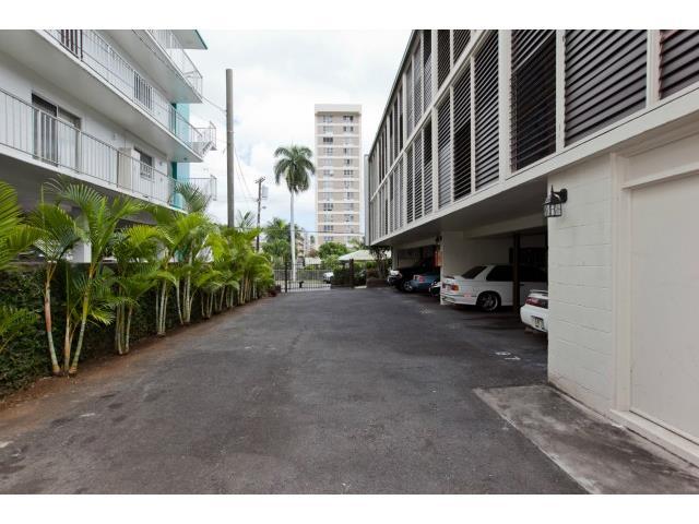 Makikian condo # 105, Honolulu, Hawaii - photo 23 of 25