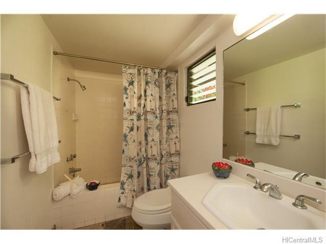 120  Hanupaoa Pl Manoa Area, Honolulu home - photo 12 of 20