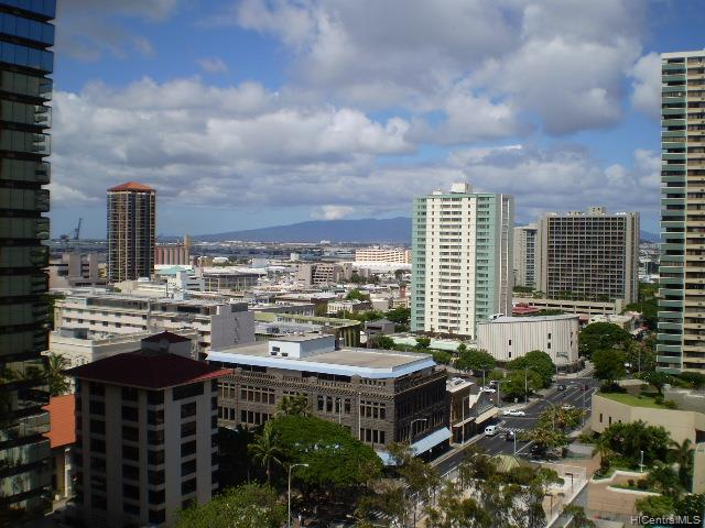 Capitol Place condo # 1505, Honolulu, Hawaii - photo 2 of 3
