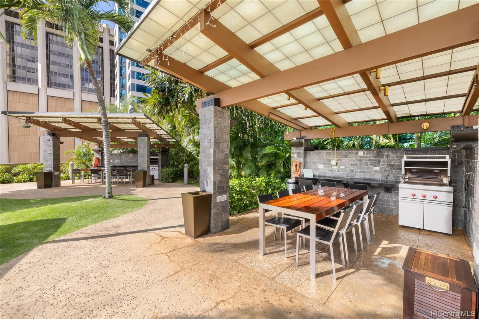 Capitol Place condo # 2803, Honolulu, Hawaii - photo 19 of 25