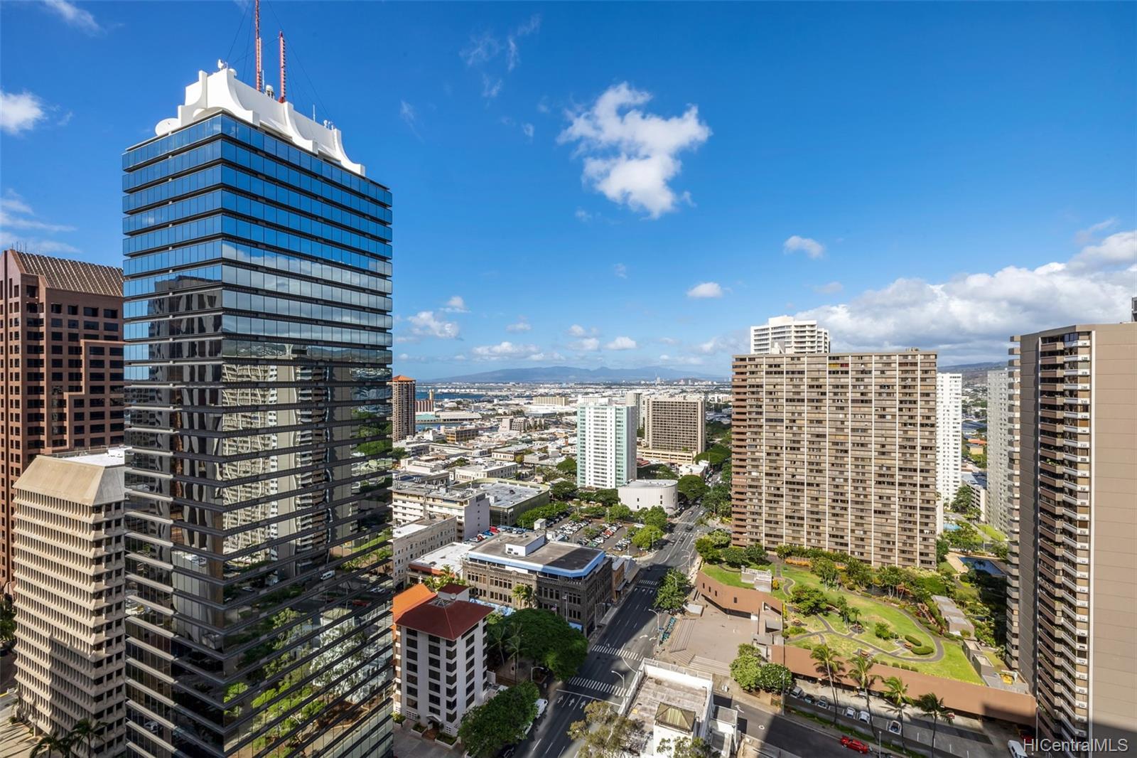 Capitol Place condo # 2803, Honolulu, Hawaii - photo 21 of 25