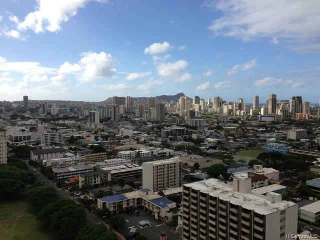 Banyan Tree Plaza condo # 2703, Honolulu, Hawaii - photo 1 of 10