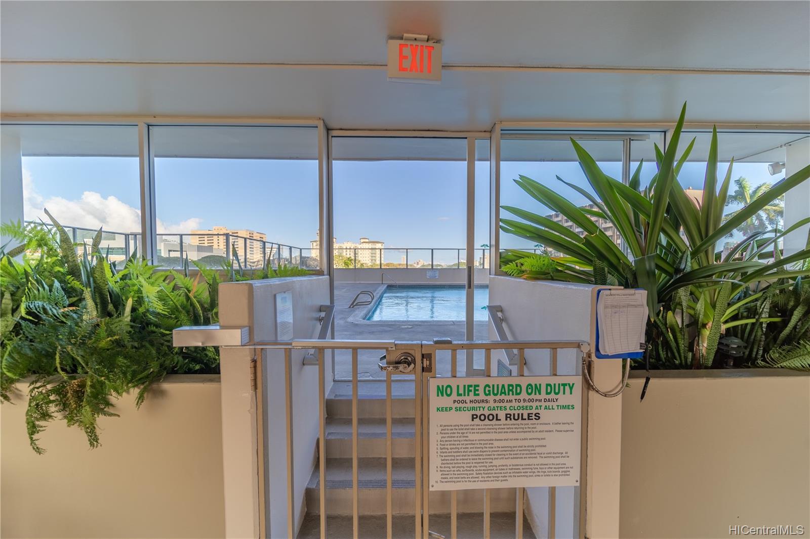 Banyan Tree Plaza condo # 3002, Honolulu, Hawaii - photo 20 of 24