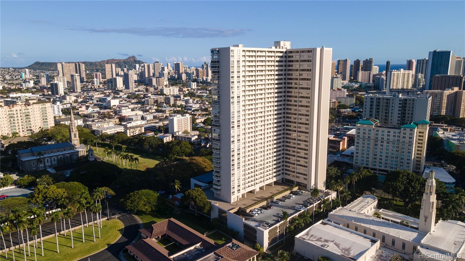 Banyan Tree Plaza condo # 3002, Honolulu, Hawaii - photo 22 of 24