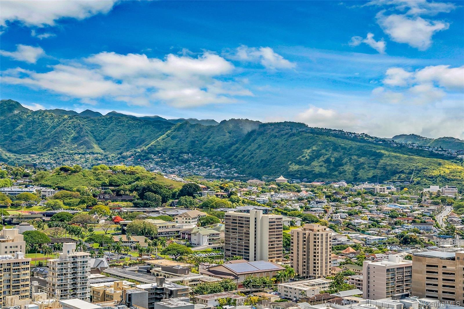 Banyan Tree Plaza condo # 3305, Honolulu, Hawaii - photo 15 of 16