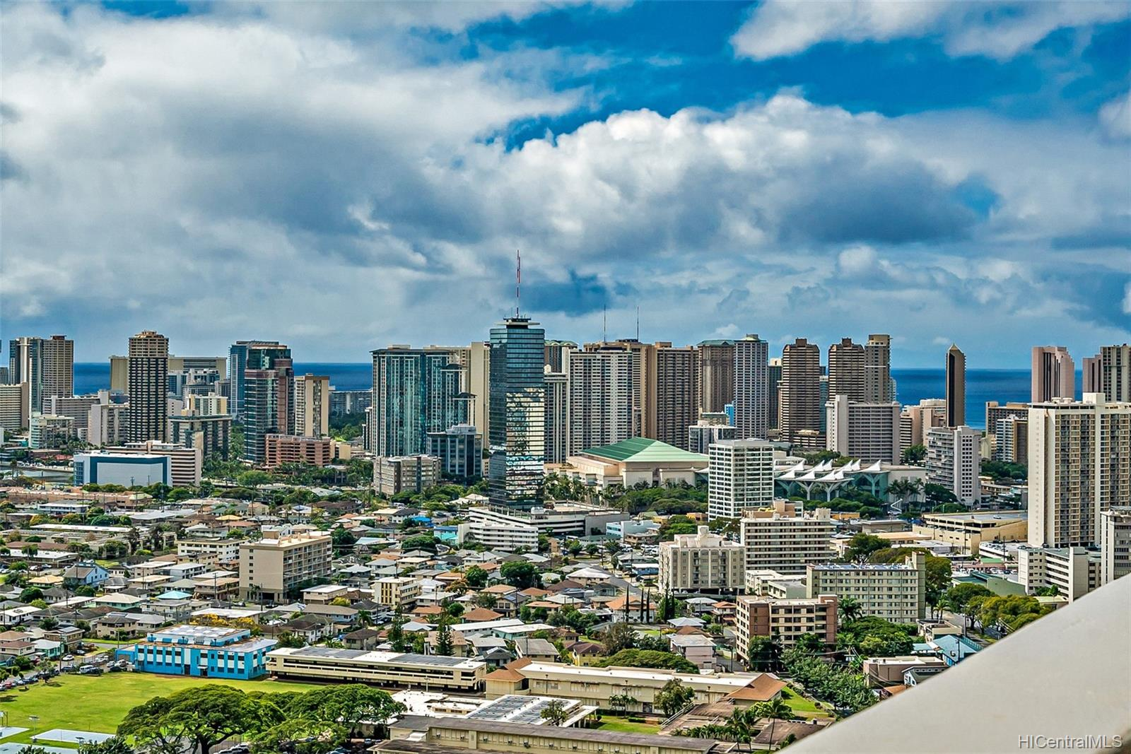 Banyan Tree Plaza condo # 3305, Honolulu, Hawaii - photo 16 of 16