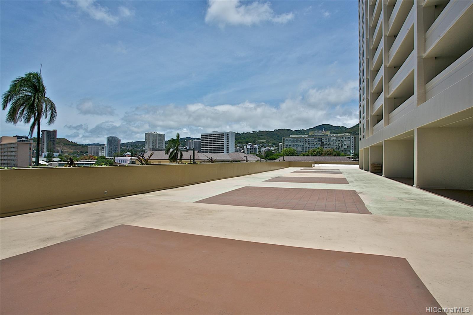 Banyan Tree Plaza condo # 704, Honolulu, Hawaii - photo 24 of 25