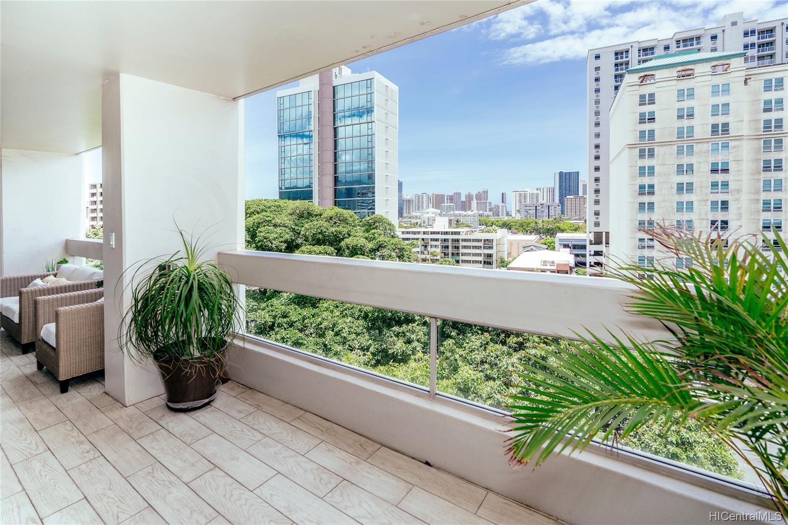 Banyan Tree Plaza condo # 808, Honolulu, Hawaii - photo 10 of 25