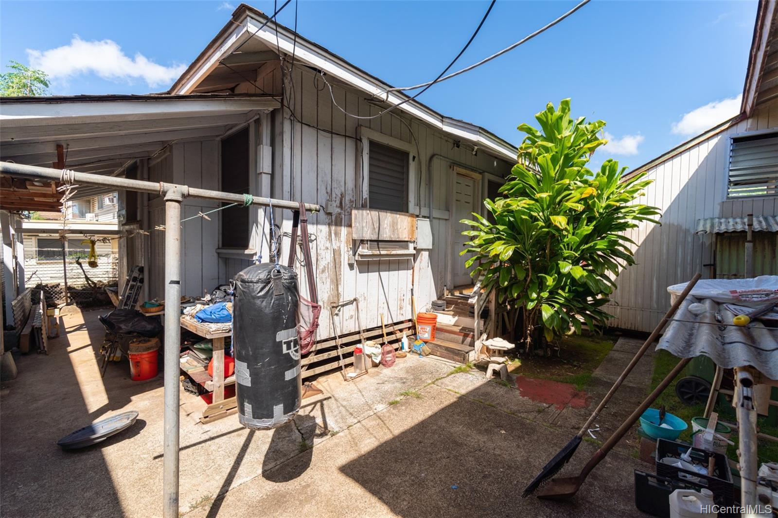 1214 Kamehameha IV Road Honolulu - Multi-family - photo 7 of 20