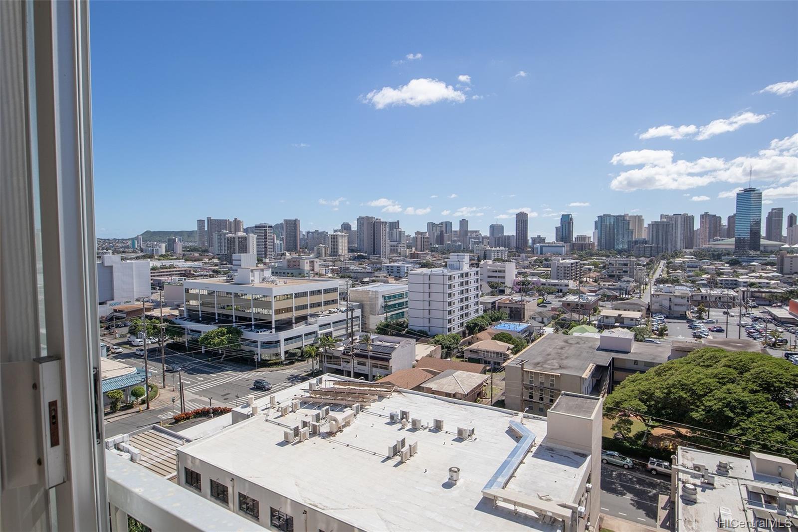 Hale Luana condo # 1103, Honolulu, Hawaii - photo 2 of 14