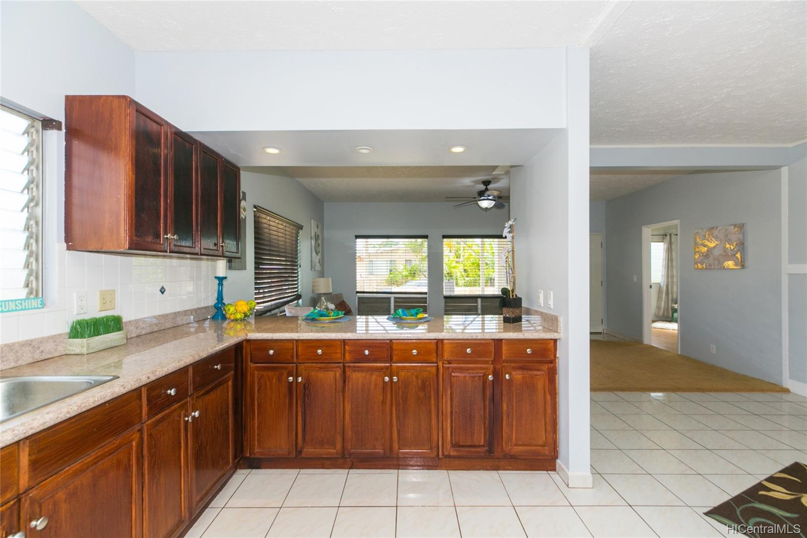 1216  Ihiihi Ave Whitmore Village, Central home - photo 4 of 25