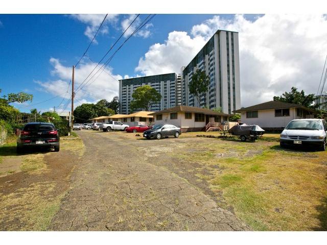 1218S Richard Ln Apt S Honolulu - Multi-family - photo 1 of 14