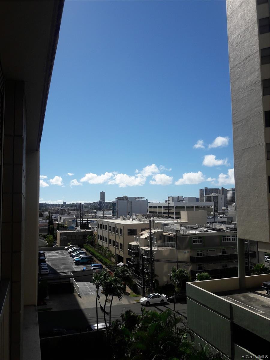 Alexander Towers condo # 604, Honolulu, Hawaii - photo 6 of 10