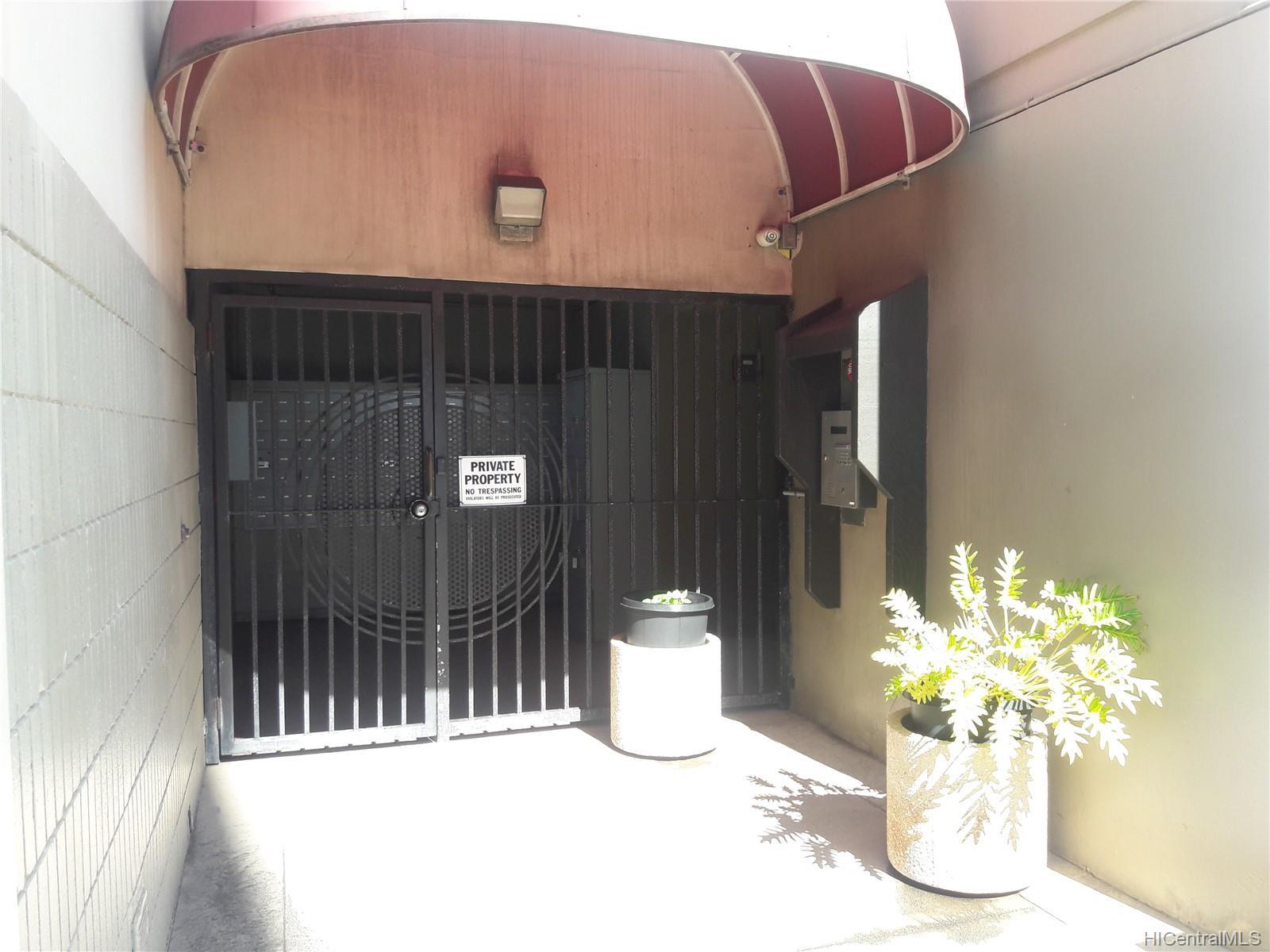 Alexander Towers condo # 604, Honolulu, Hawaii - photo 7 of 10