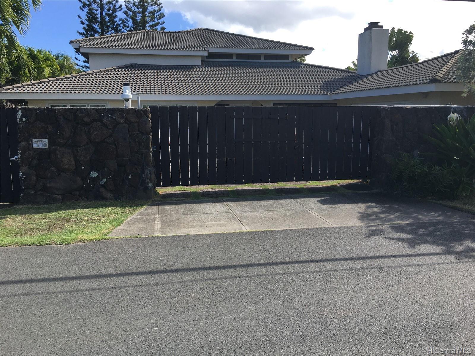 123  Ainoni Street Kalama Tract, Kailua home - photo 2 of 25