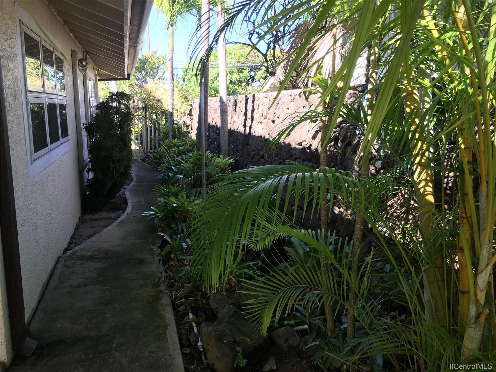 123  Ainoni Street Kalama Tract, Kailua home - photo 17 of 25