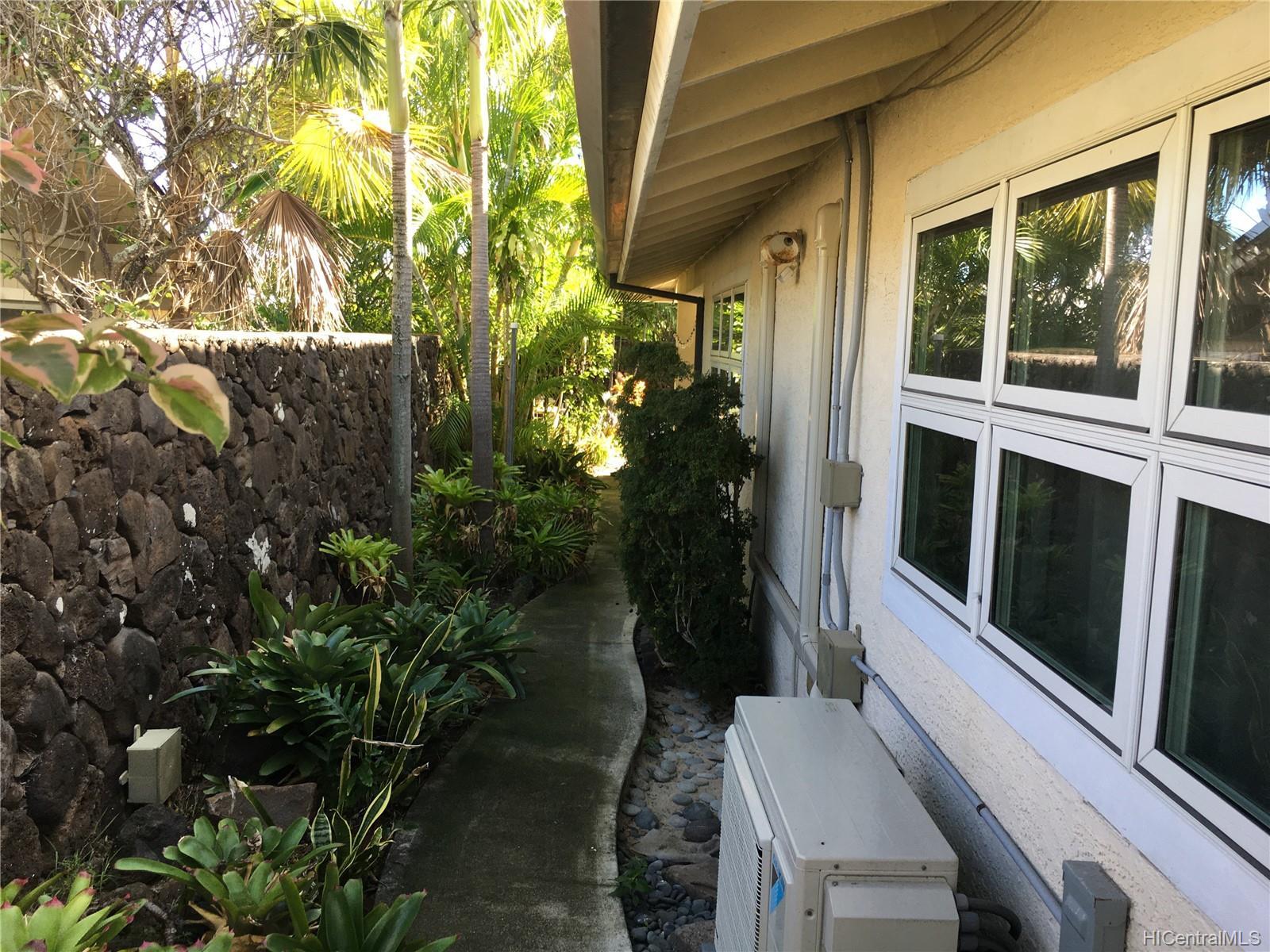 123  Ainoni Street Kalama Tract, Kailua home - photo 5 of 25