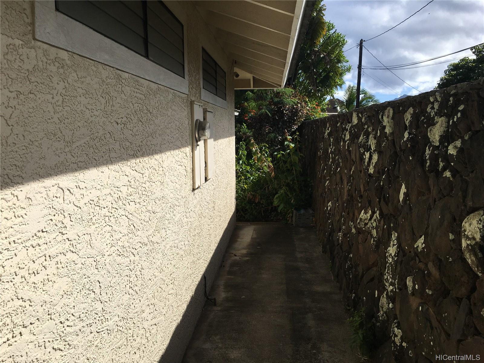 123  Ainoni Street Kalama Tract, Kailua home - photo 8 of 25