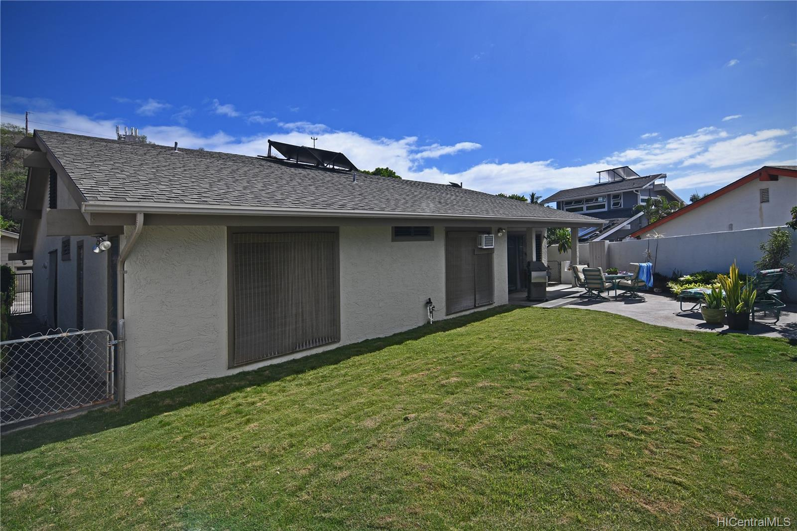 1237  Mokuhano Street Kalama Valley, Hawaii Kai home - photo 20 of 25