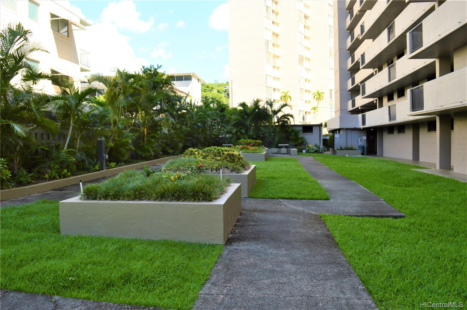 1251 Heulu condo # PH4, Honolulu, Hawaii - photo 22 of 24
