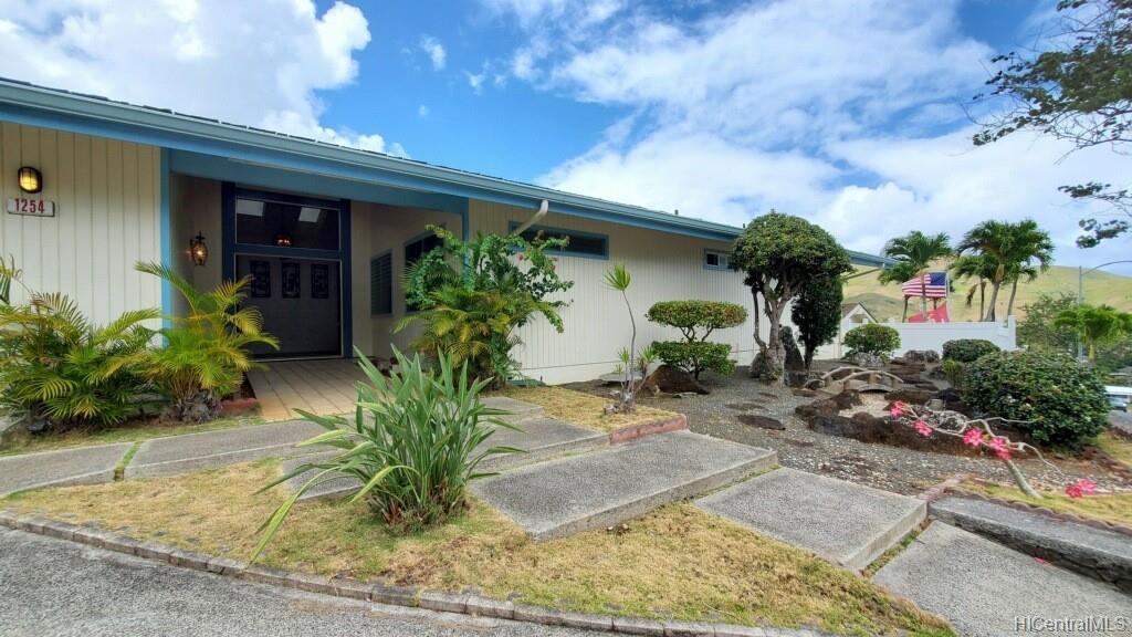 1254  Aulepe Street Hillcrest, Kailua home - photo 5 of 25