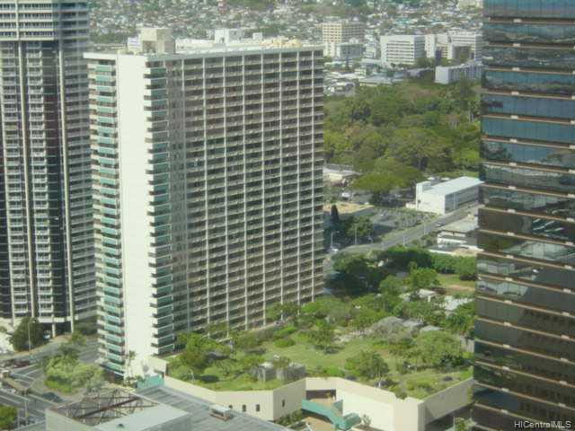 Kukui Plaza condo # E1610, Honolulu, Hawaii - photo 1 of 8