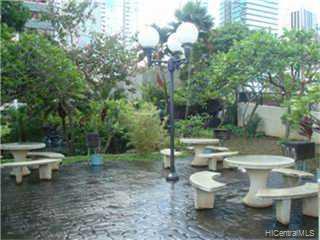 Kukui Plaza condo # E1610, Honolulu, Hawaii - photo 6 of 8
