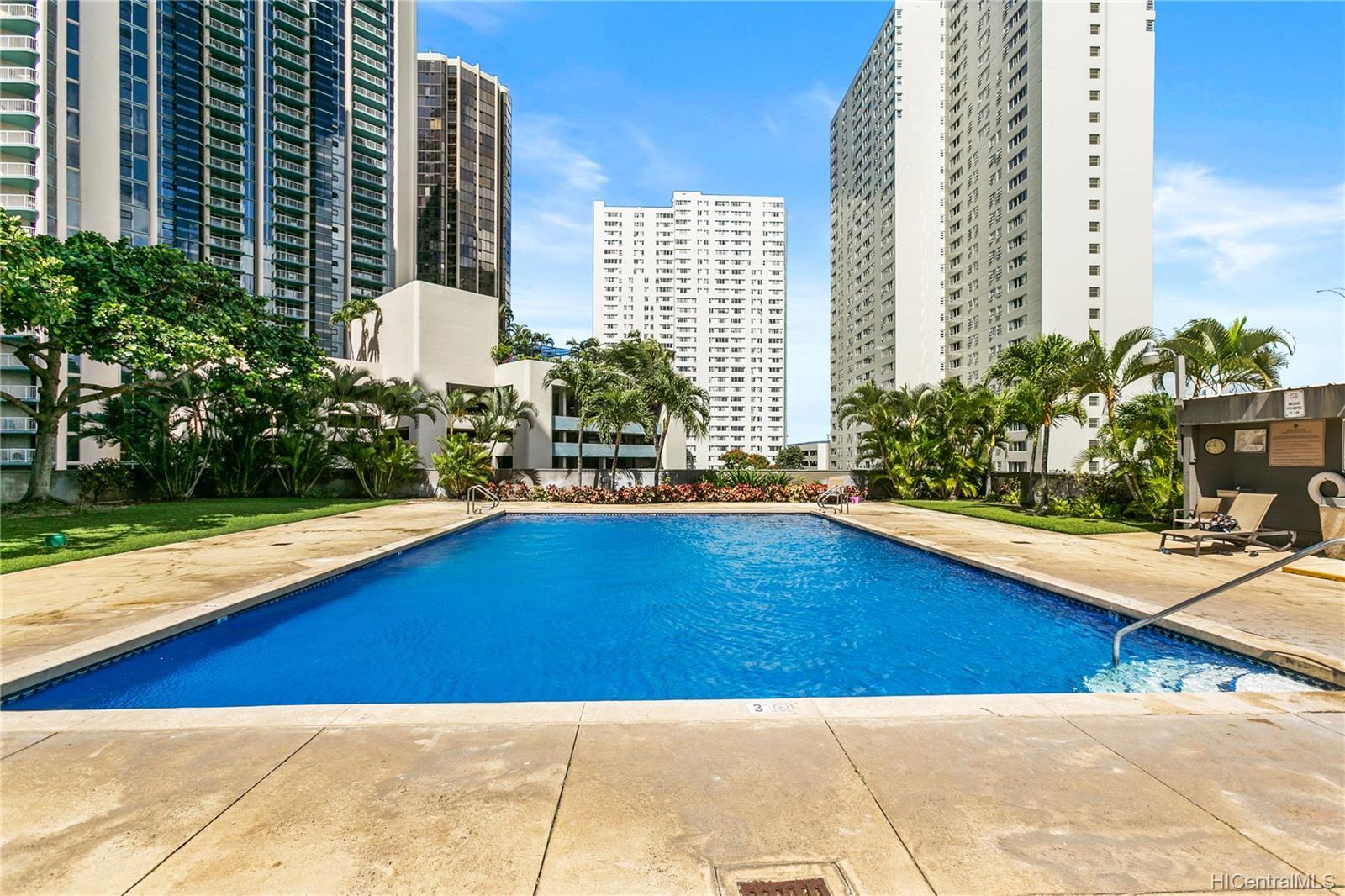 Kukui Plaza condo # E2107, Honolulu, Hawaii - photo 15 of 17