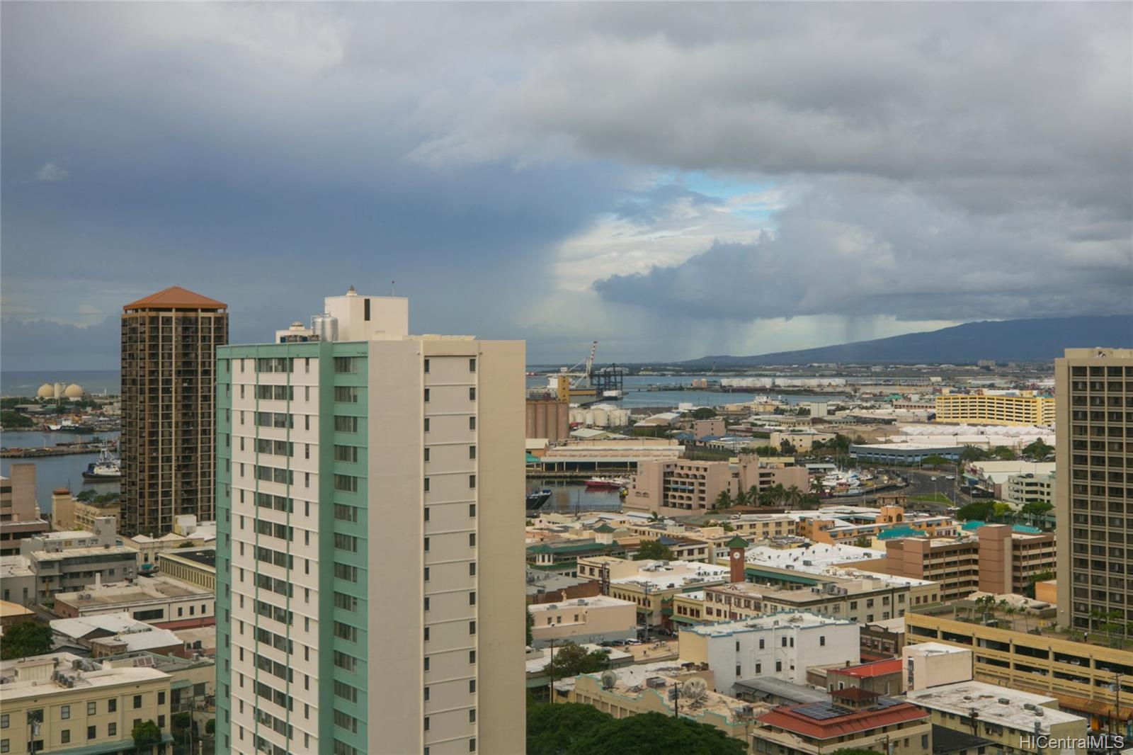 Kukui Plaza condo # #E2206, Honolulu, Hawaii - photo 14 of 23