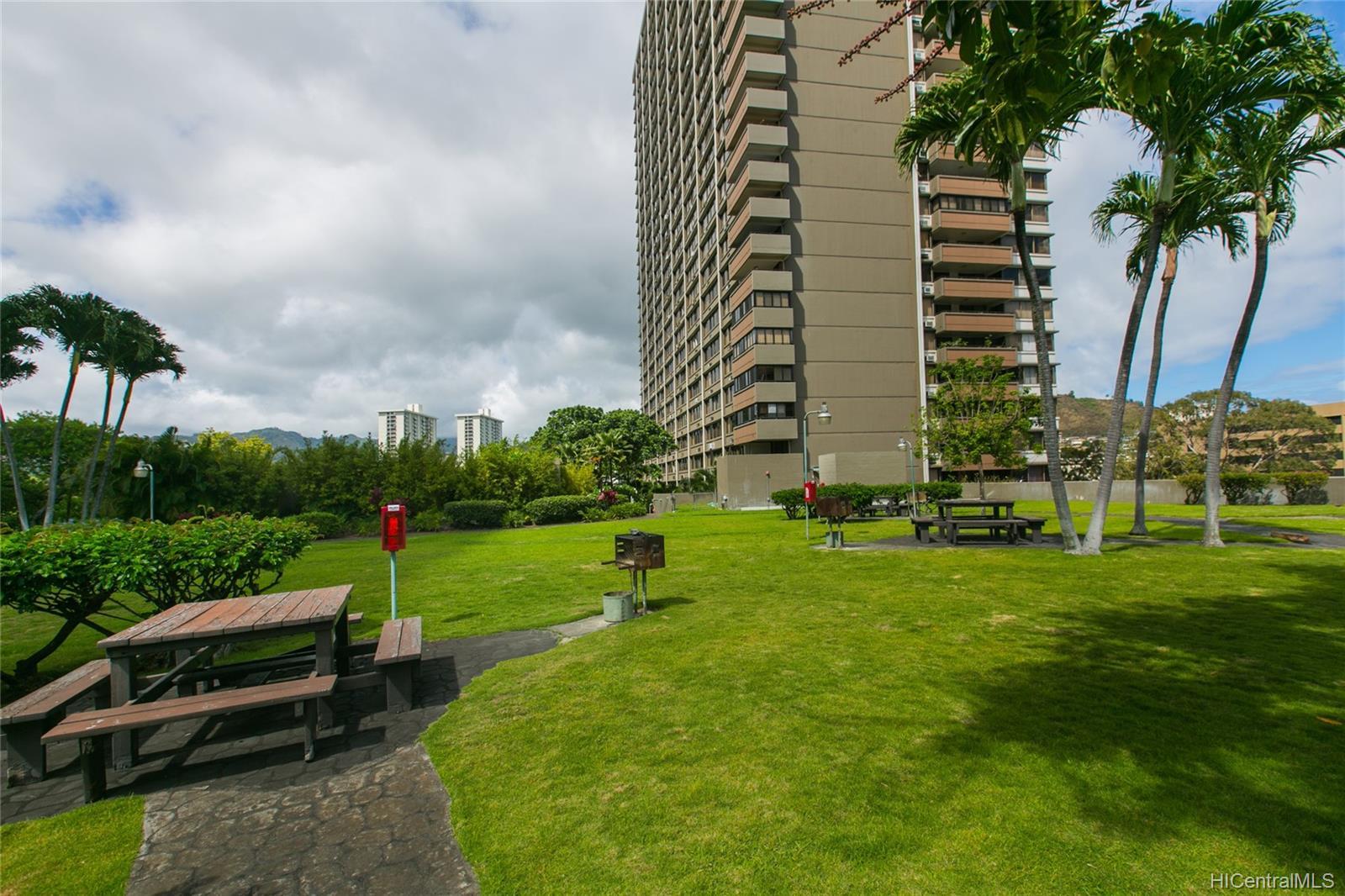 Kukui Plaza condo # #E2206, Honolulu, Hawaii - photo 17 of 23