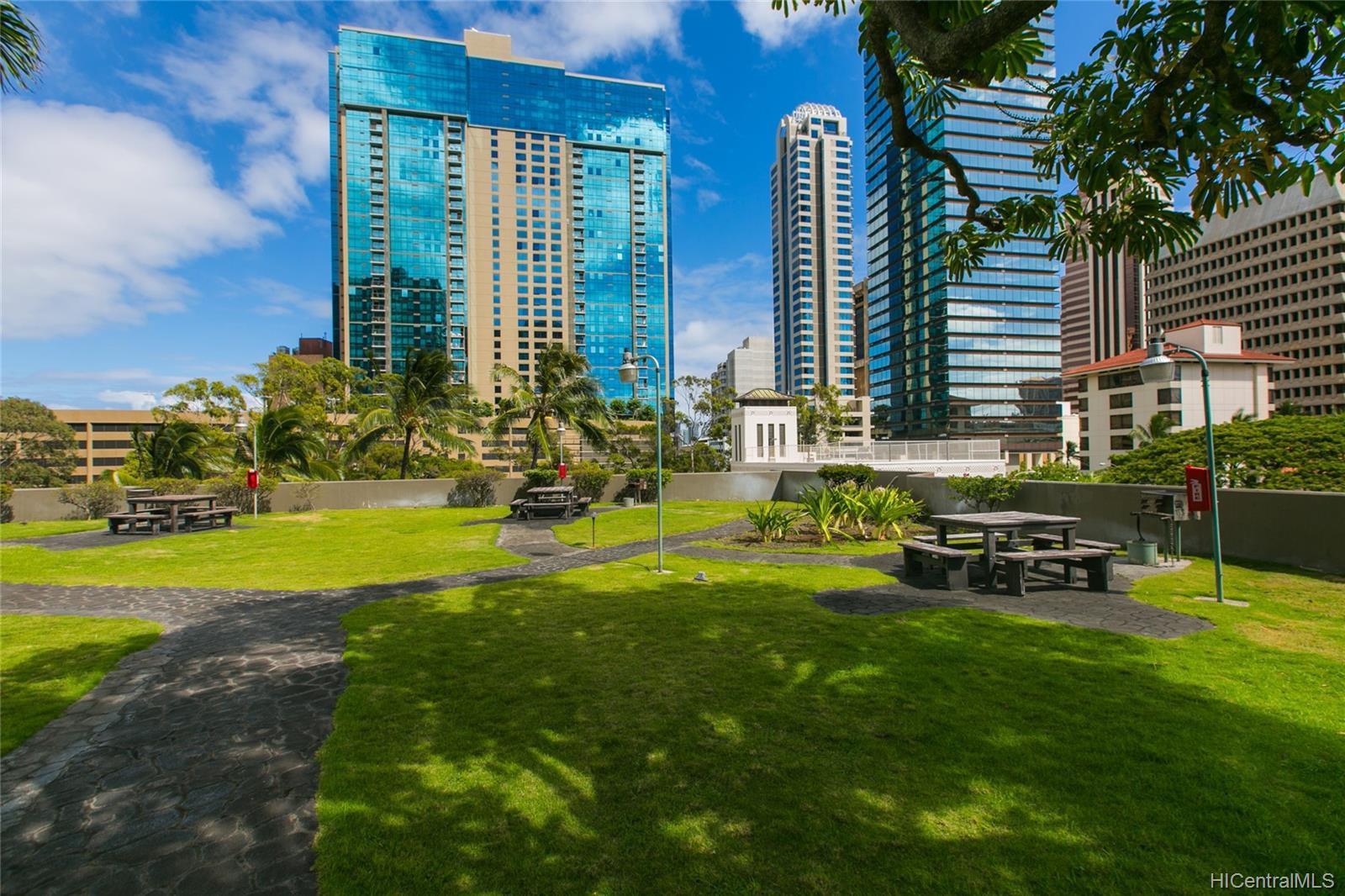 Kukui Plaza condo # #E2206, Honolulu, Hawaii - photo 18 of 23
