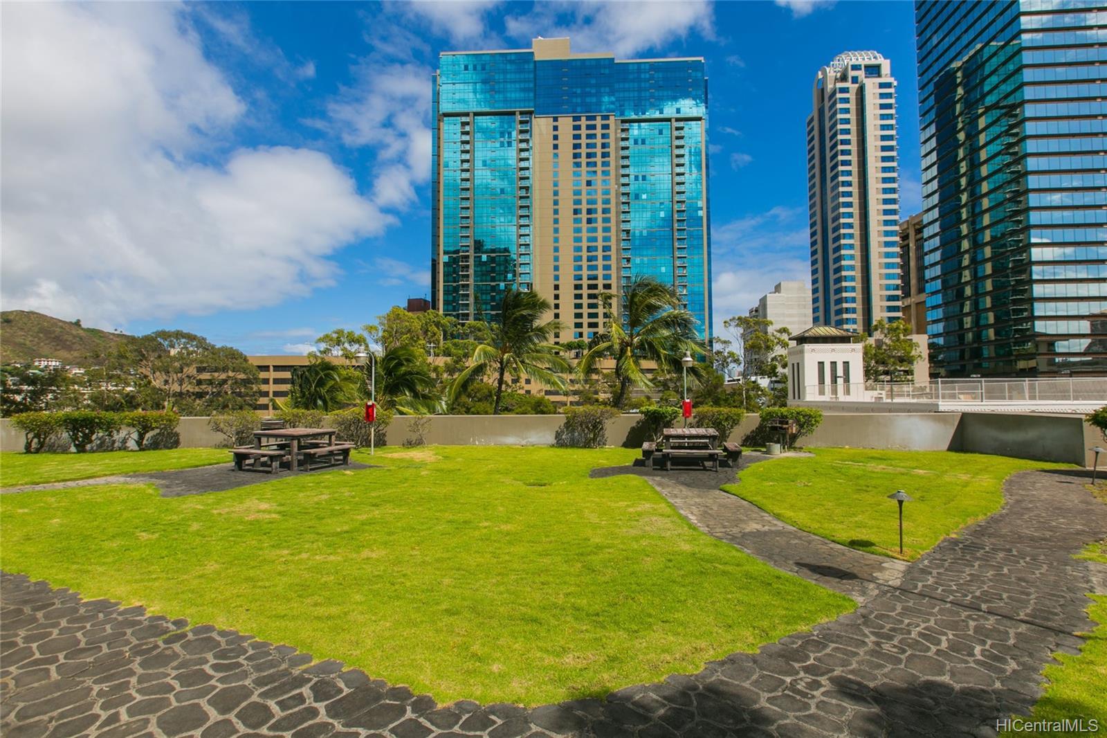 Kukui Plaza condo # #E2206, Honolulu, Hawaii - photo 19 of 23