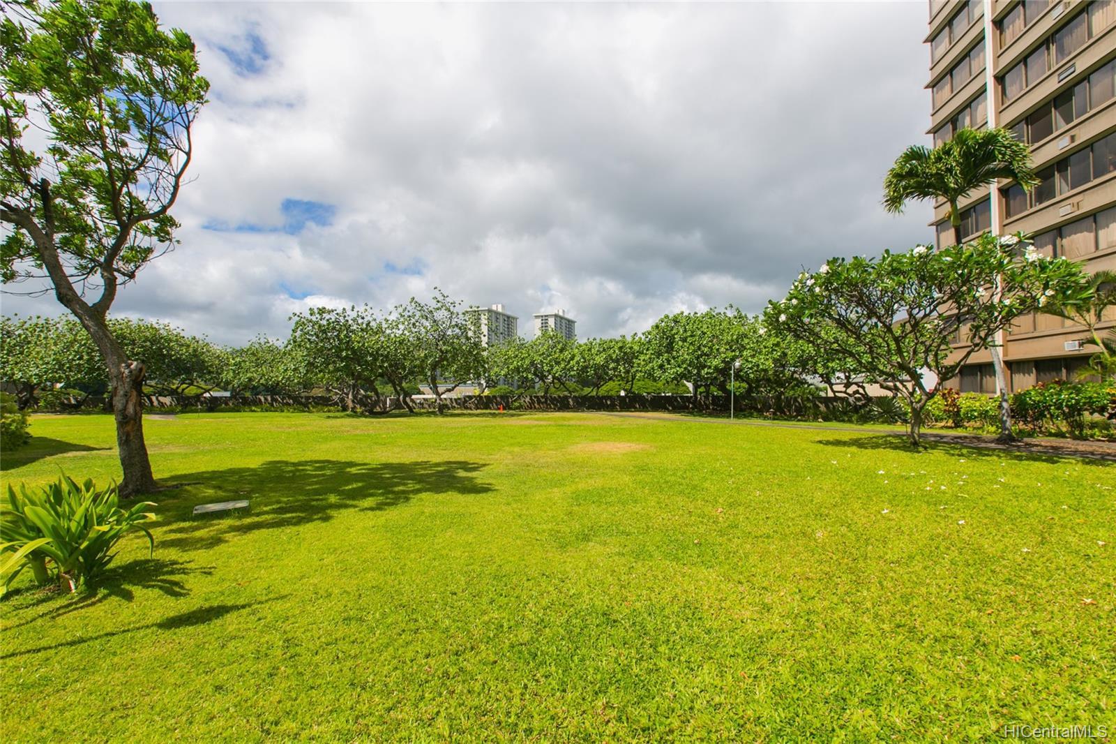 Kukui Plaza condo # #E2206, Honolulu, Hawaii - photo 21 of 23
