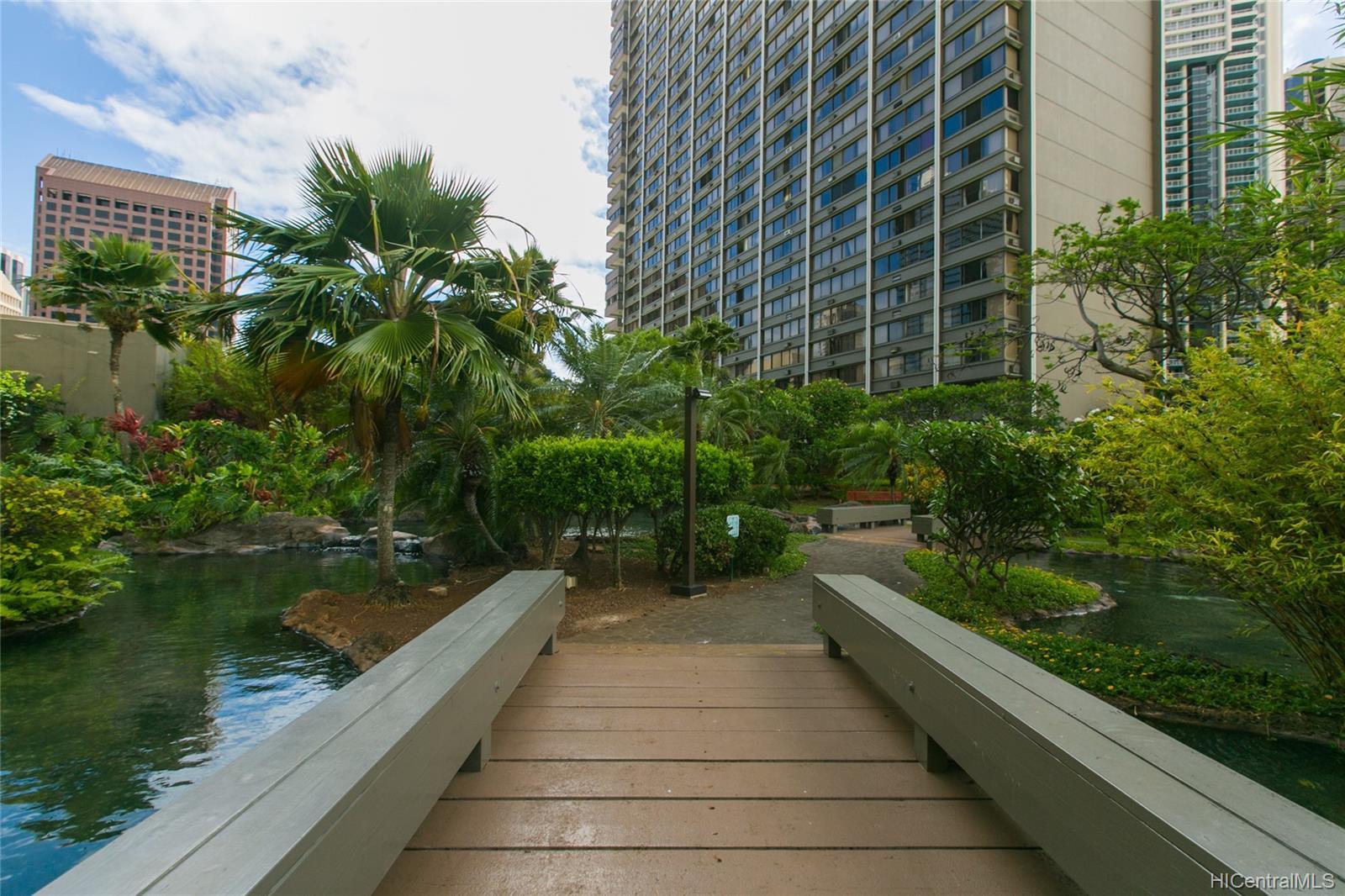 Kukui Plaza condo # #E2206, Honolulu, Hawaii - photo 22 of 23