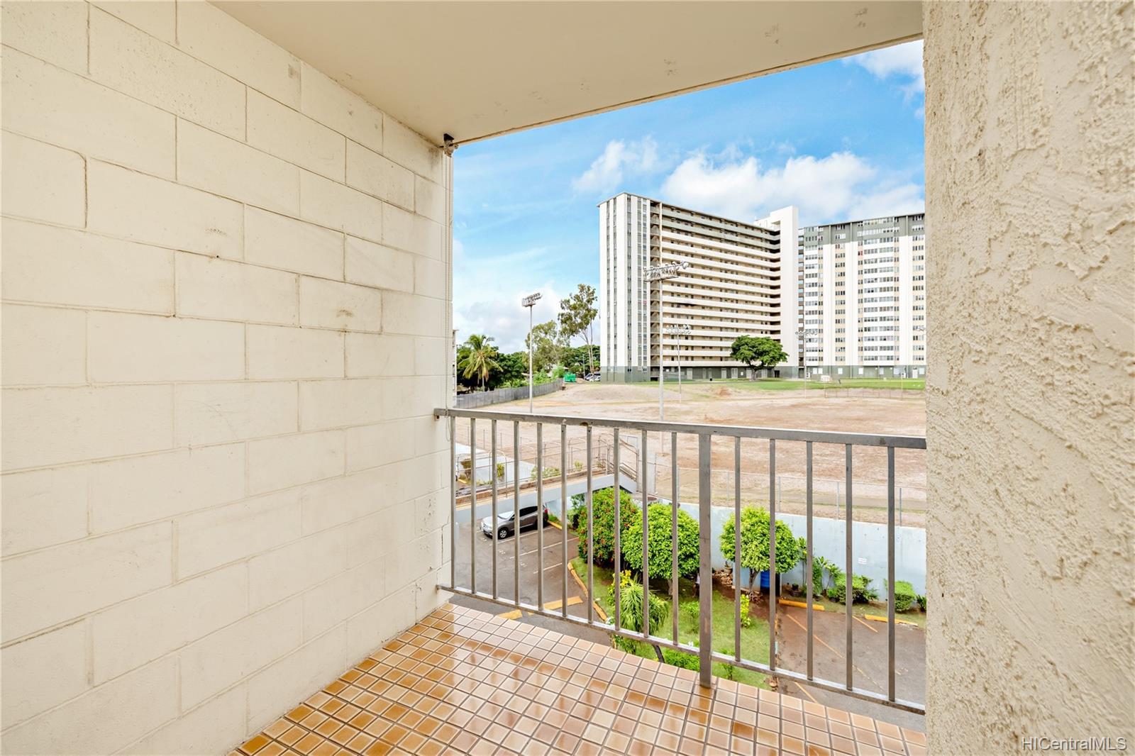 1260 Richard Ln condo # 402, Honolulu, Hawaii - photo 19 of 25
