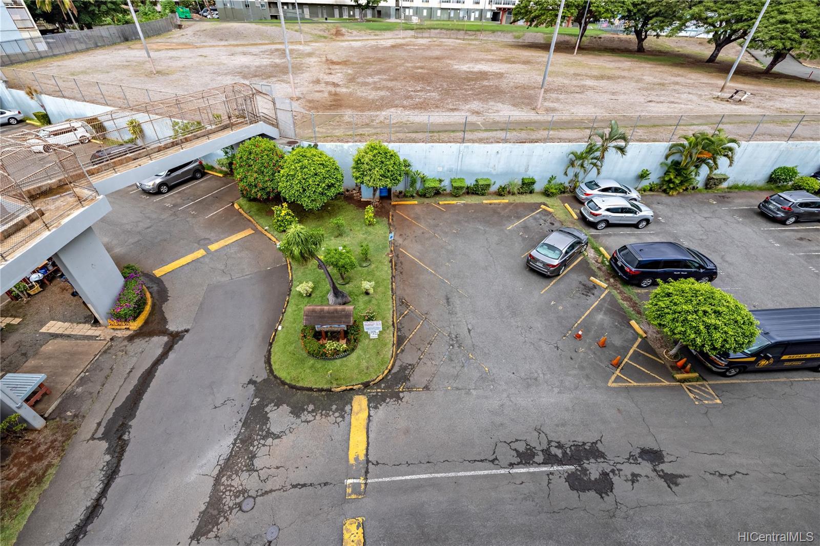 1260 Richard Ln condo # 402, Honolulu, Hawaii - photo 21 of 25