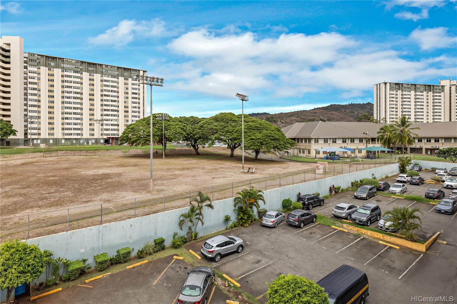 1260 Richard Ln condo # 402, Honolulu, Hawaii - photo 22 of 25