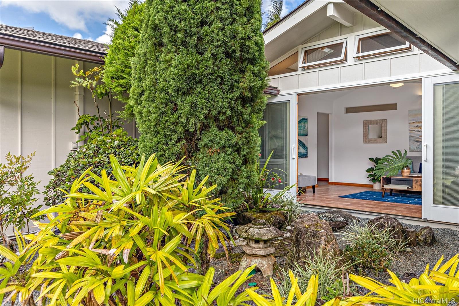 1265  Maleko Street Maunawili, Kailua home - photo 4 of 25