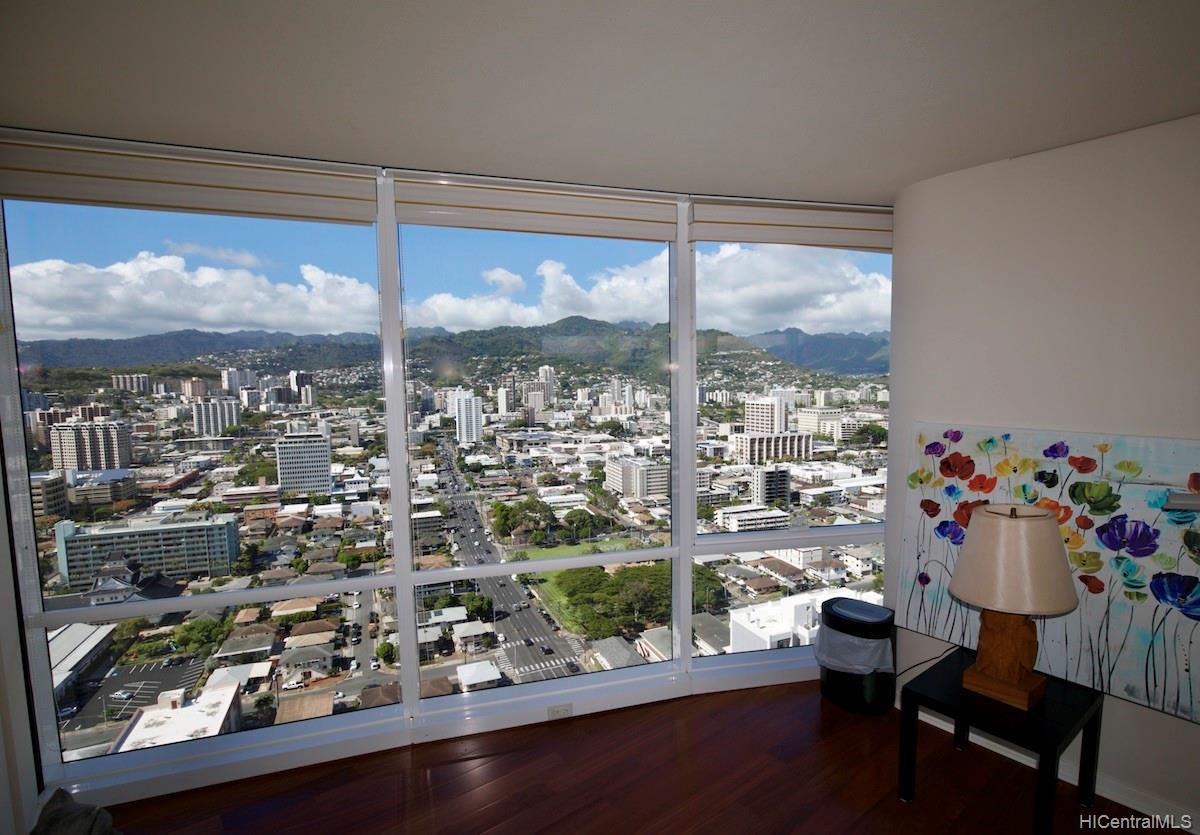Moana Pacific condo # II 3403, Honolulu, Hawaii - photo 7 of 15