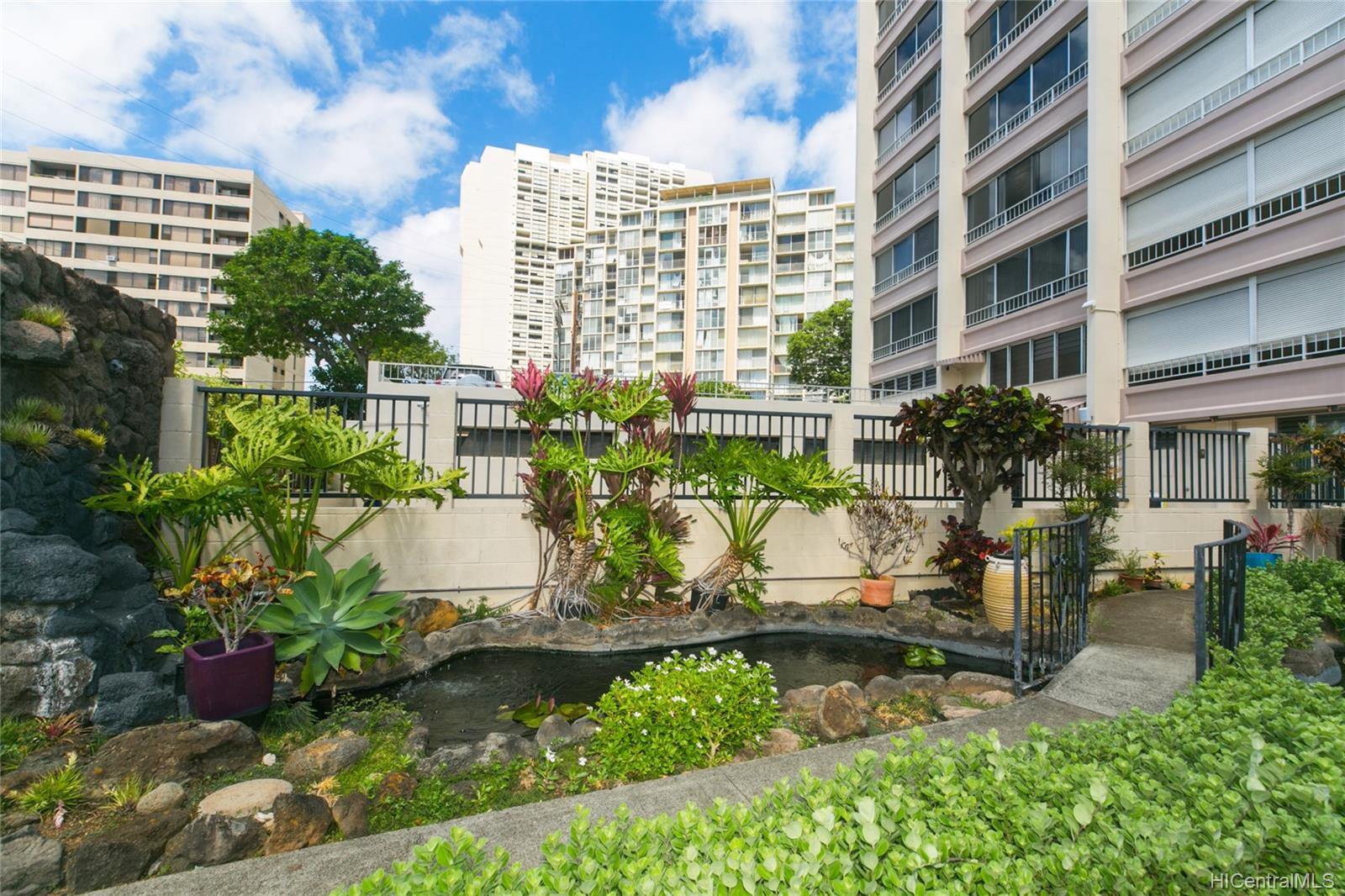 Makiki Royal condo # 1602, Honolulu, Hawaii - photo 15 of 17