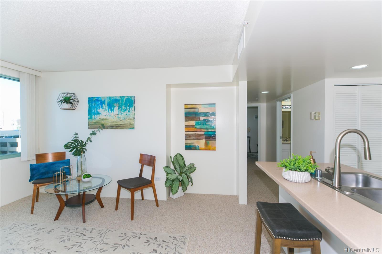 One Kalakaua Senior Living condo # 604, Honolulu, Hawaii - photo 2 of 25