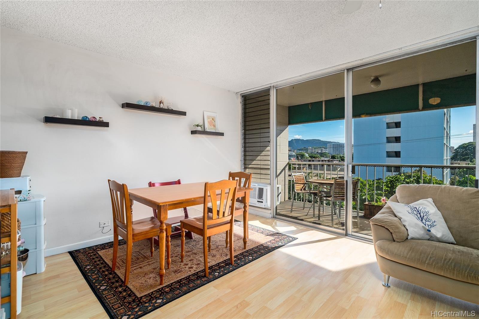 Piikoi Terrace condo # 501, Honolulu, Hawaii - photo 5 of 24