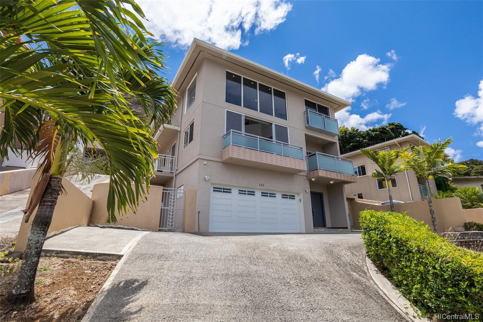 132  Prospect Street Punchbowl Area, Honolulu home - photo 1 of 25