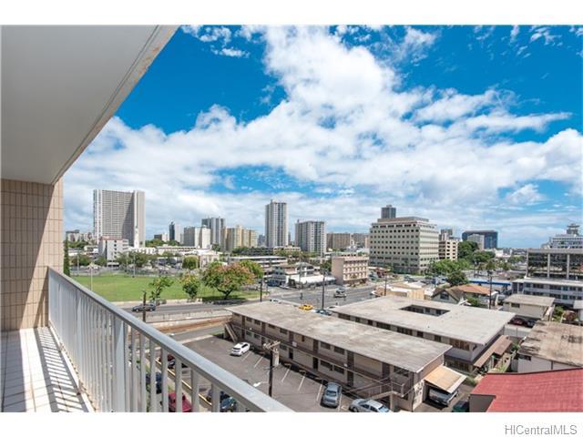 Matlock Hale condo #702, Honolulu, Hawaii - photo 1 of 16